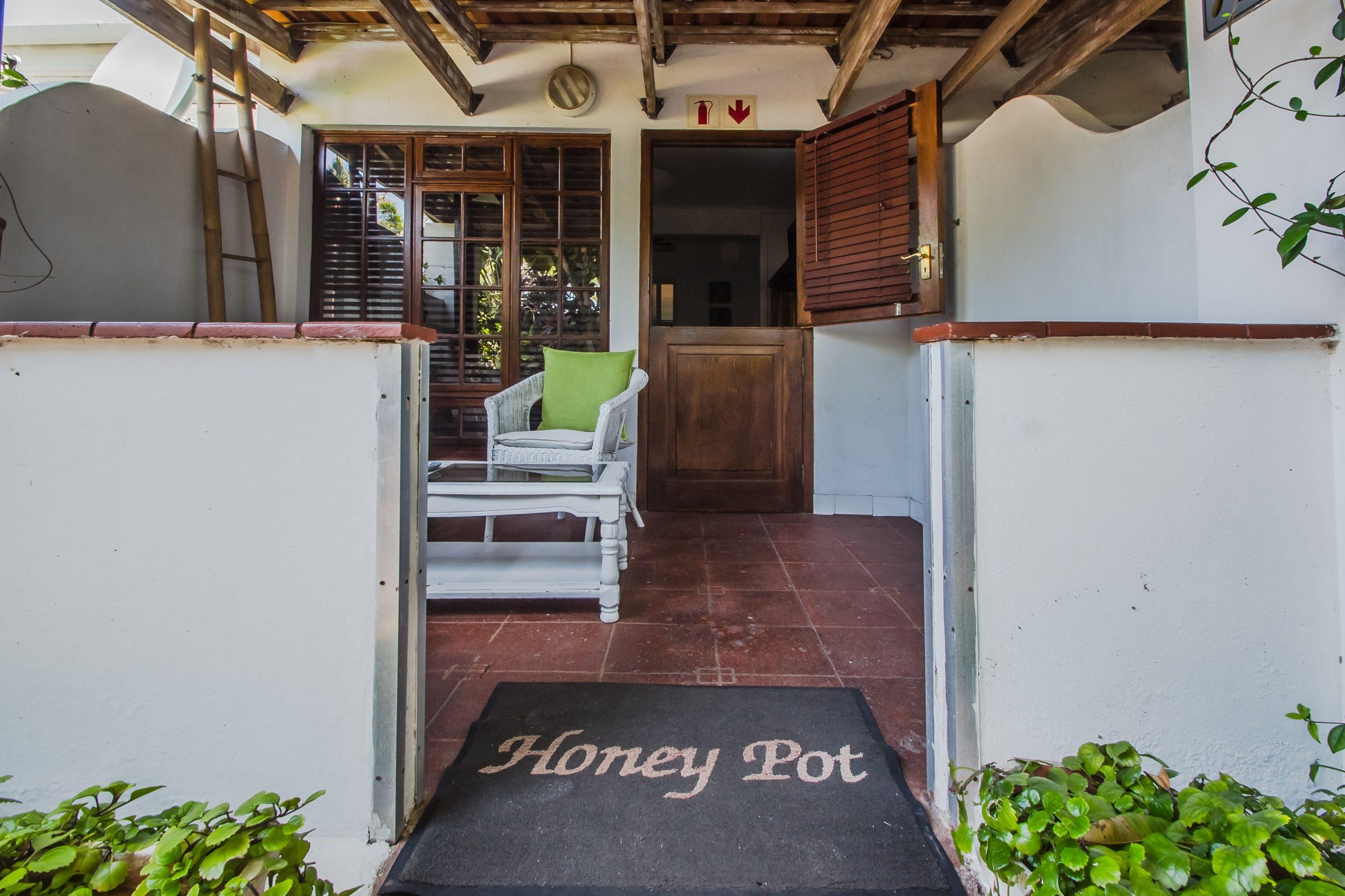 honeypot guesthouse-10